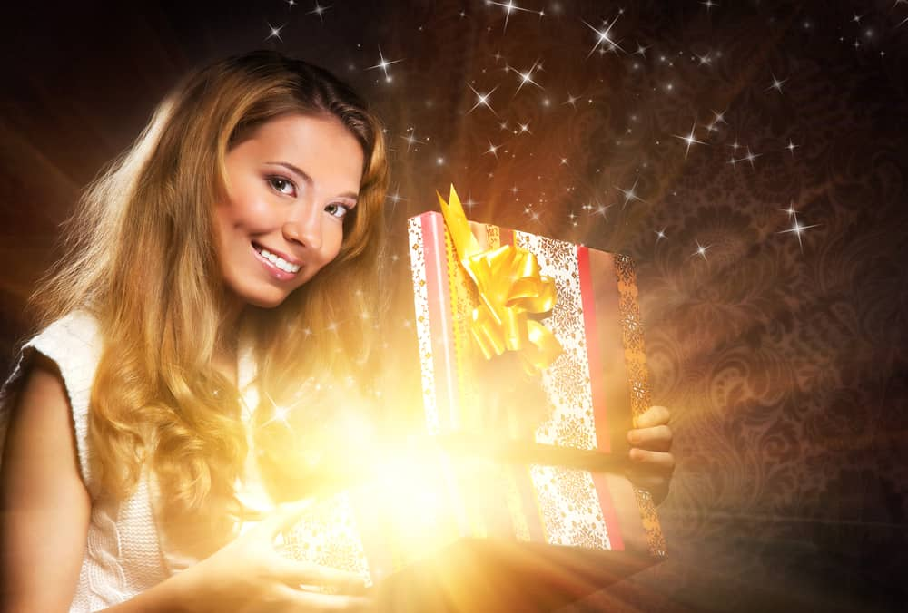 what to put in a Christmas Eve box